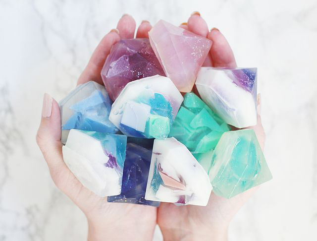 DIY gifts, DIY gifts for friends, DIY gemstone soaps, DIY soaps, DIY gifts for coworkers