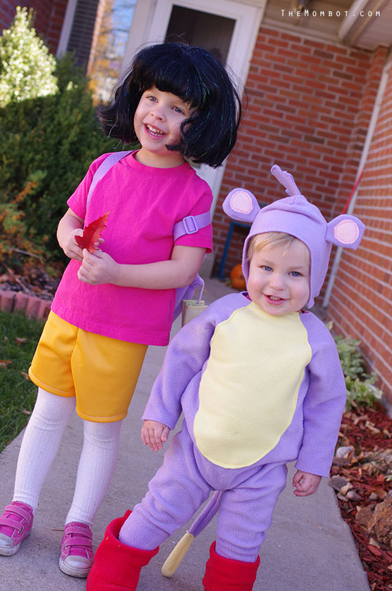 DIY Dora and Boots costumes , The Mombot