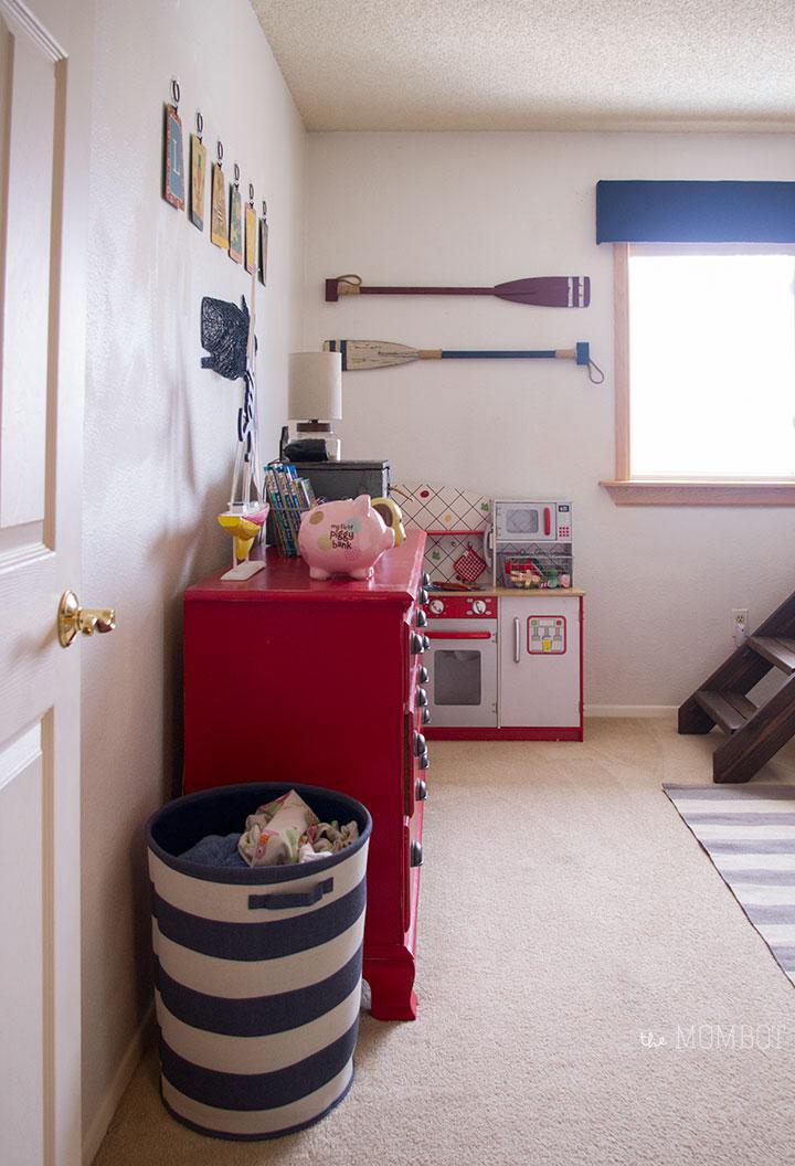 dresser-wall-nautical-room1