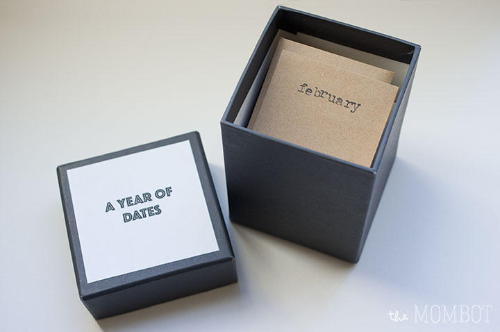 A year of dates: DIY gift idea | TheMombot.com