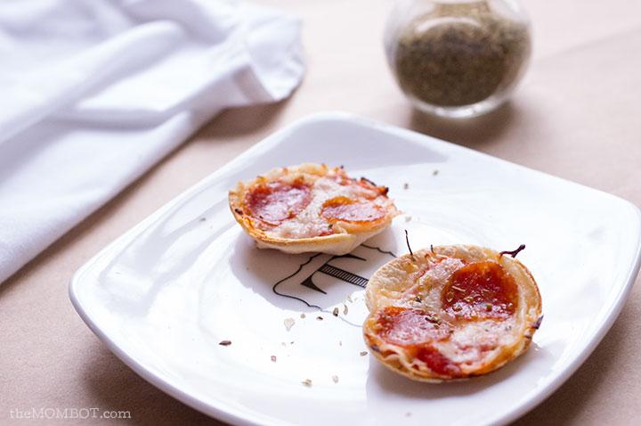 Dairy free mini deep dish pizza | TheMombot.com