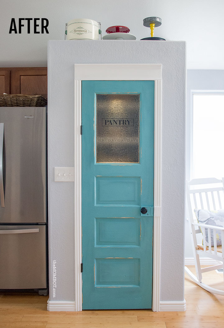 Superbe A Vintage Pantry Door DIY | TheMombot.com