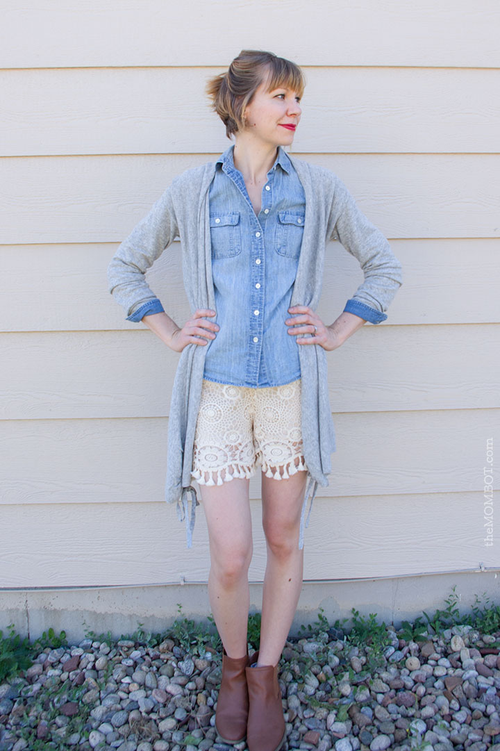 Lace shorts and transitioning to fall on TheMombot.com