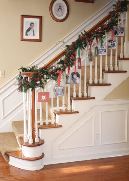 Christmas card display ideas, banister-garland