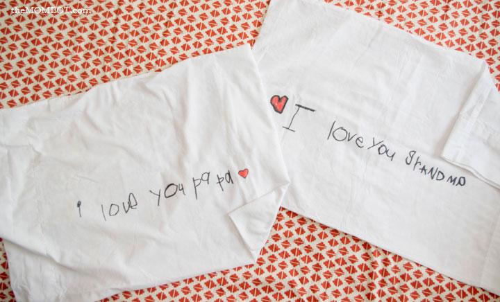 i-love-you-pillowcases-flat