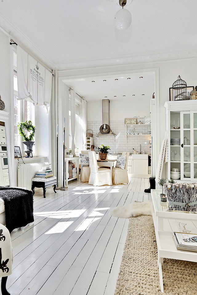 white-planked-floors