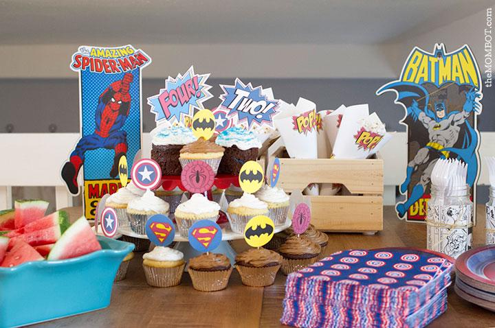 superhero-party-table-decor