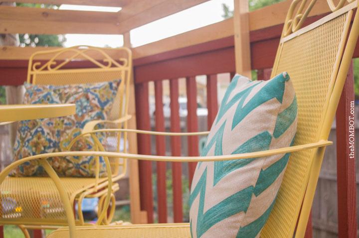 patio-redo-pillows2