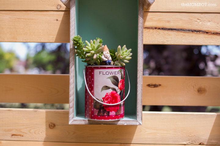 patio-renovation-fence-close-succulents2