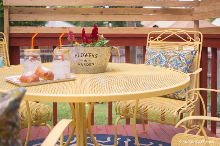 patio-renovation-table-close2