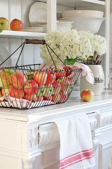 apples-in-basket-fall-farmhouse