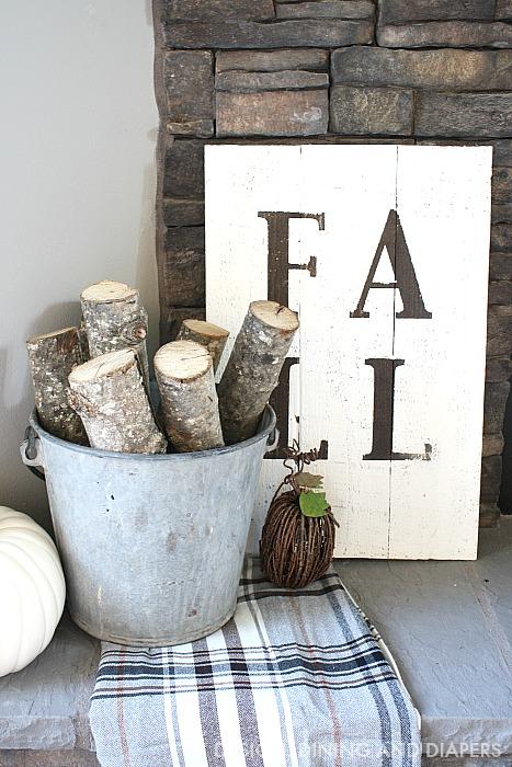 rustic-fall-diy-sign-logs