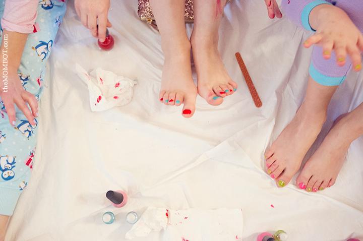 non-pinterest-party-paintingnails3