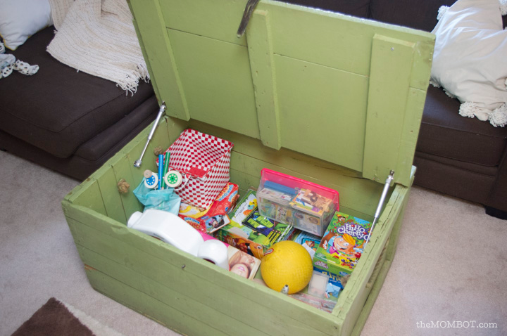 toy-clutter-chest3