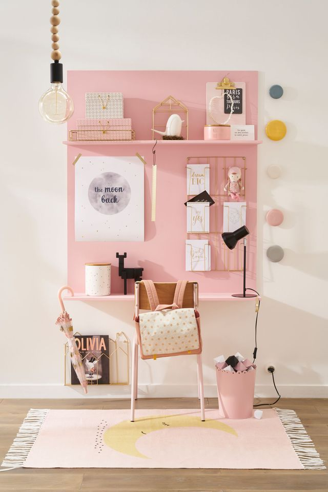 Kid's desks, kid's homework area, kid's homework desk, kid spaces, pink desk, desk for girls