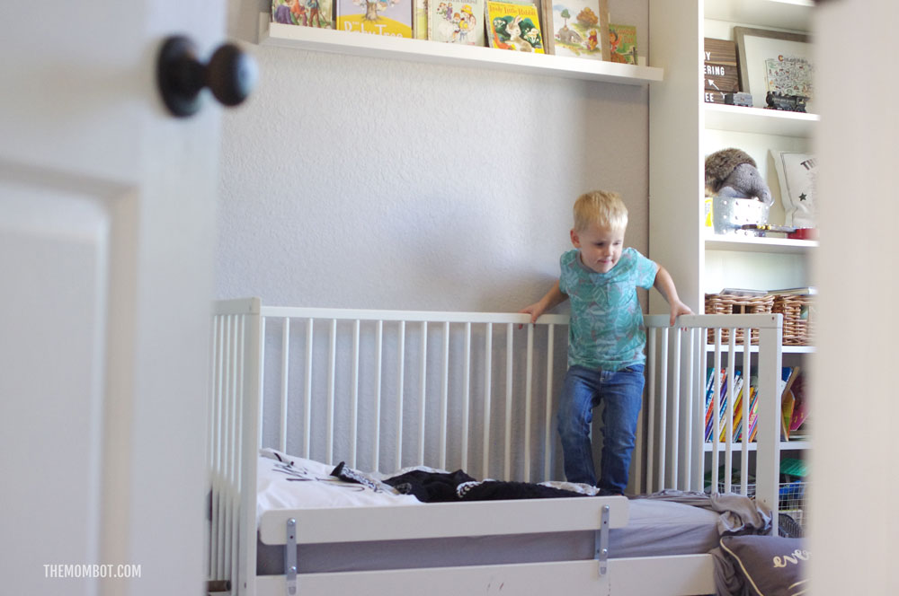 how to get your toddler to stay in bed, bedtime advice, parenting advice, toddler bedtime