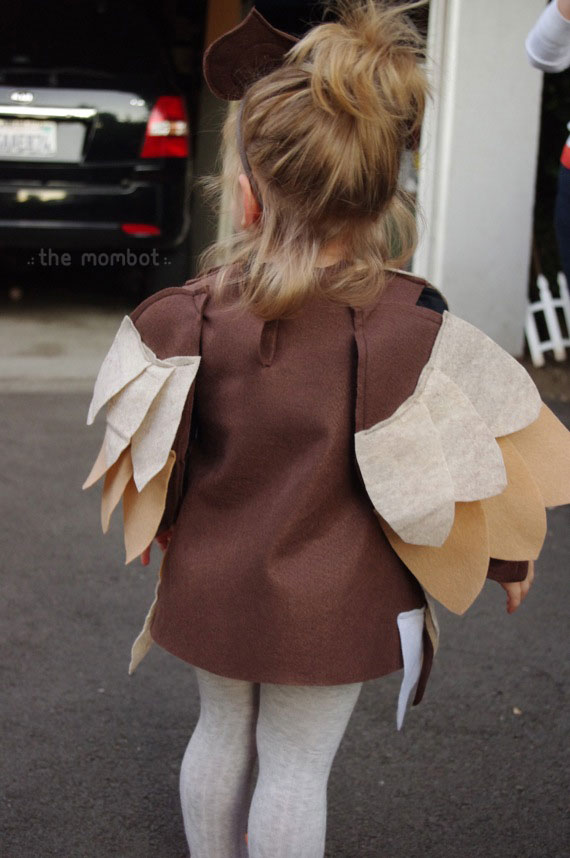 DIY owl Halloween costume | TheMombot.com