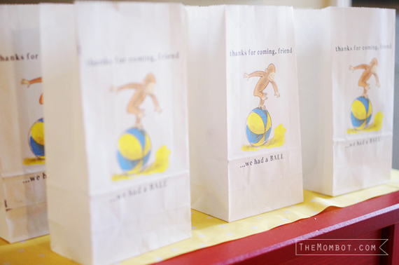 vintage curious george birthday party, party favor bags | TheMombot.com