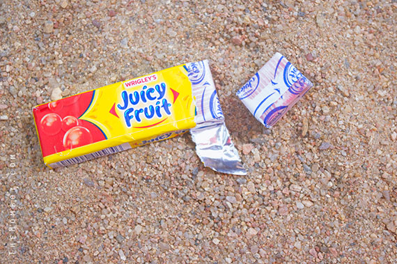 End of summer, learning to blow a bubble with Juicy Fruit | TheMombot.com