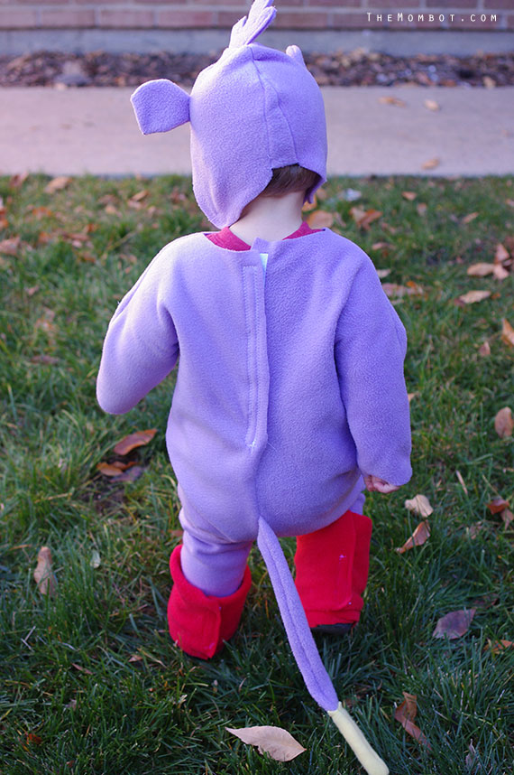 DIY Dora and Boots Costumes | TheMombot.com